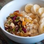 breakfast_oats_nuts_fruit