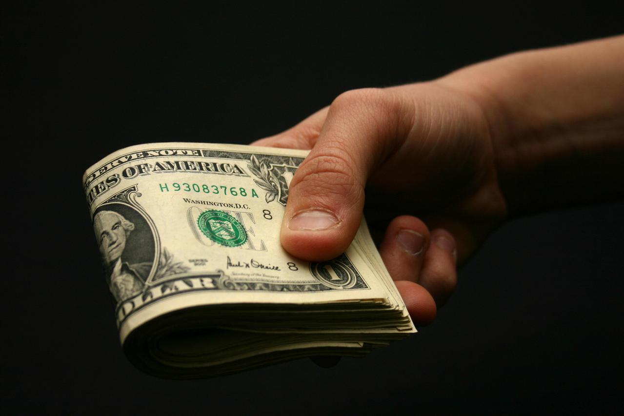 Dollar Trade
